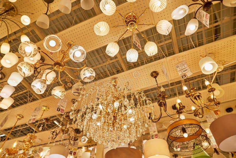 LEDDE Lampor I Ett Ikea Lager Redaktionell Arkivfoto Bild