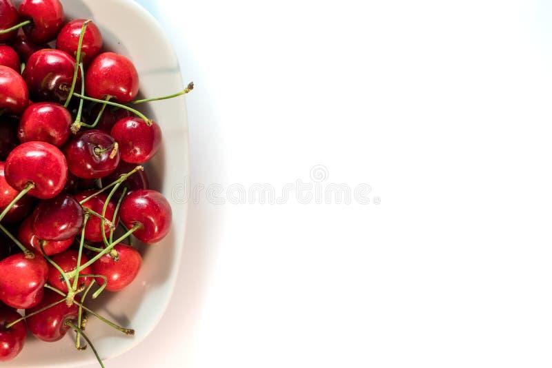 Kirsche in der weißen Platte stockbilder
