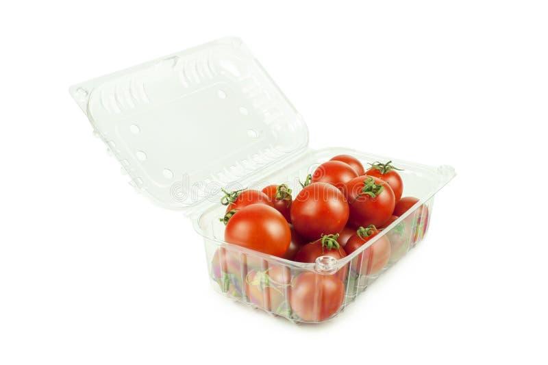 Kirschtomaten in einem Kasten lizenzfreie stockbilder