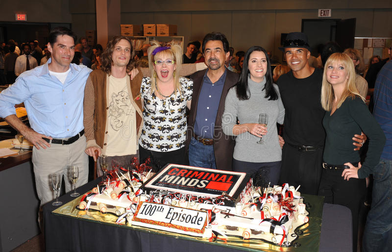 Kirsten Vangsness, cuisinier d'A.J, Paget Brewster, Shemar Moore, Thomas Gibson, cuisinier AJ, cuisinier aj, cuisinier d'A.J., cui photo libre de droits