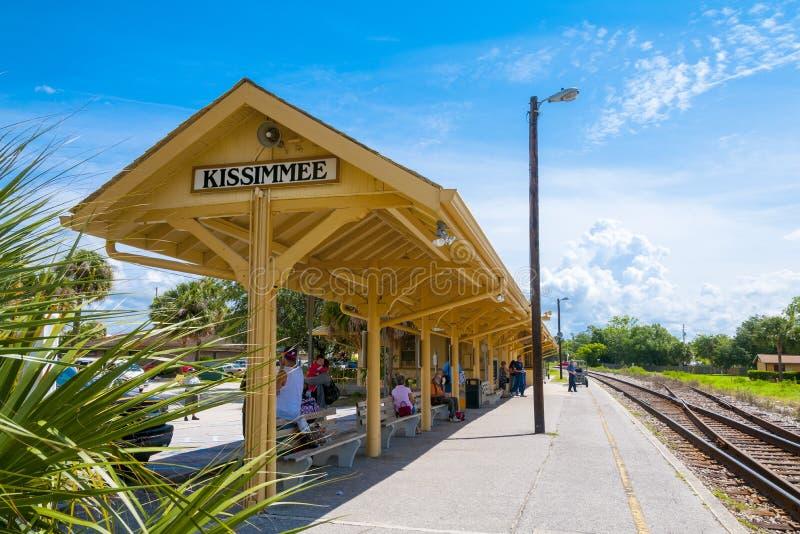 Kissimmee佛罗里达火车平台 图库摄影