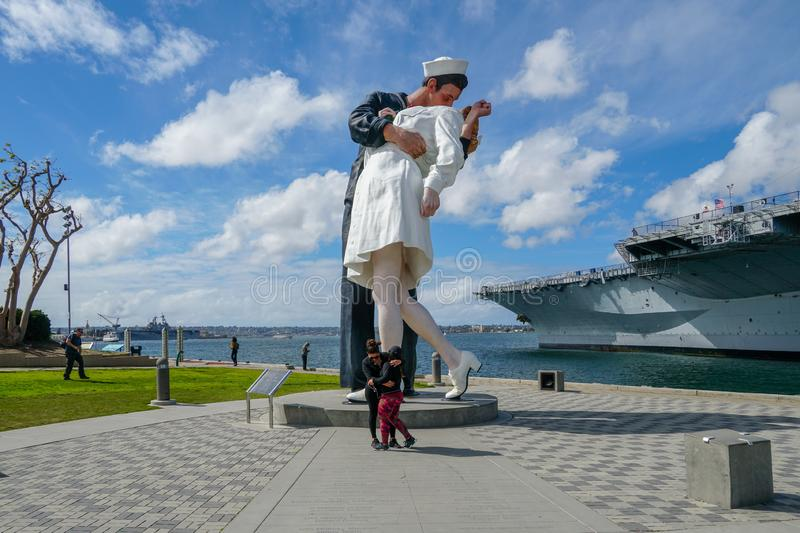 """Kissing sailor statue, Port of San Diego. Also known as """"Unconditional Surrender"""" recreates famous embrace between a sailor and a nurse celebrating stock photography"""