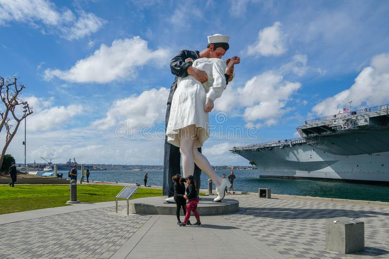 """Kissing sailor statue, Port of San Diego. Also known as """"Unconditional Surrender"""" recreates famous embrace between a sailor and a nurse celebrating stock images"""
