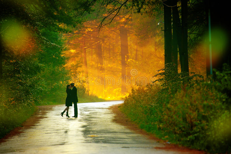 Kisssing Couple Royalty Free Stock Photography