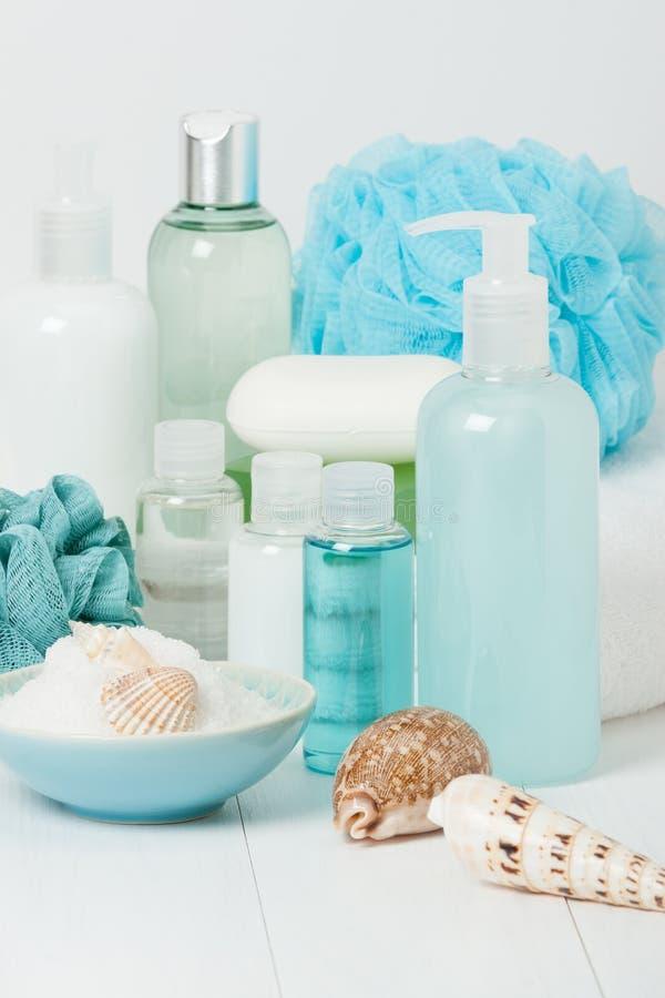 Kit de station thermale Shampooing, barre de savon et liquide Gel de douche Aromatherapy photo libre de droits
