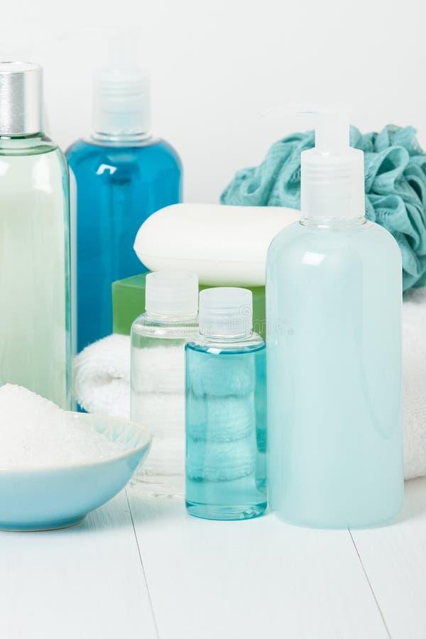 Kit de station thermale Shampooing, barre de savon et liquide Gel de douche Aromatherapy images stock