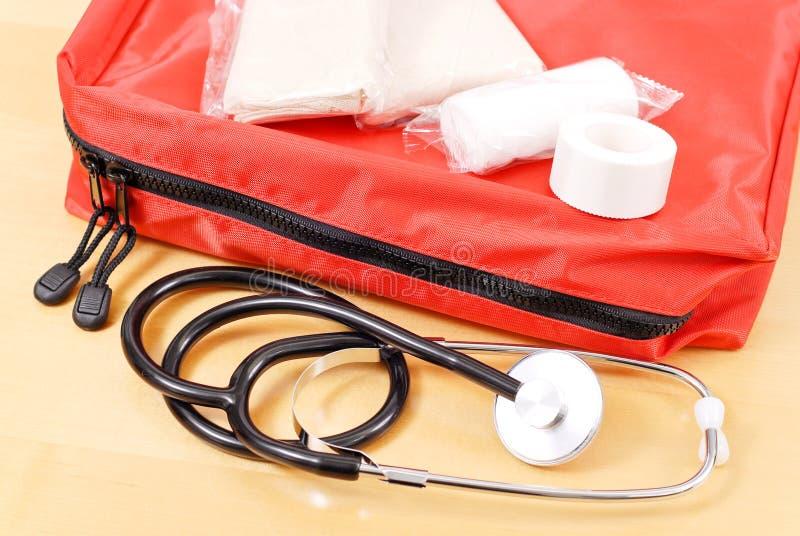 Kit médico del trauma de la emergencia imagen de archivo libre de regalías