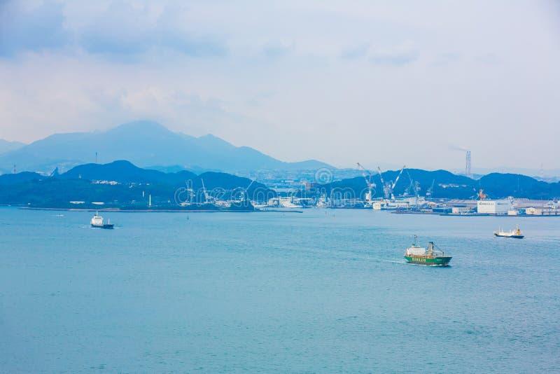 Kitakyushu, Japan - 20. November 2016: Ansichten der Insel von Honshu, von Osaka, von Japan, von großen Hafenstadt und von Telesh lizenzfreies stockfoto