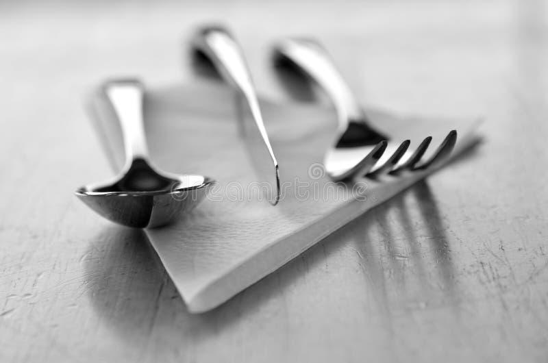Kitchenware обслуживания серебра ложки вилки ножа для еды стоковые изображения rf