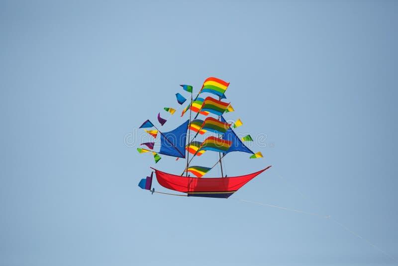 Kite dans le vaisseau aérien image libre de droits