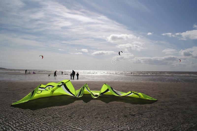 Kiteboard Am Strand Stockfoto