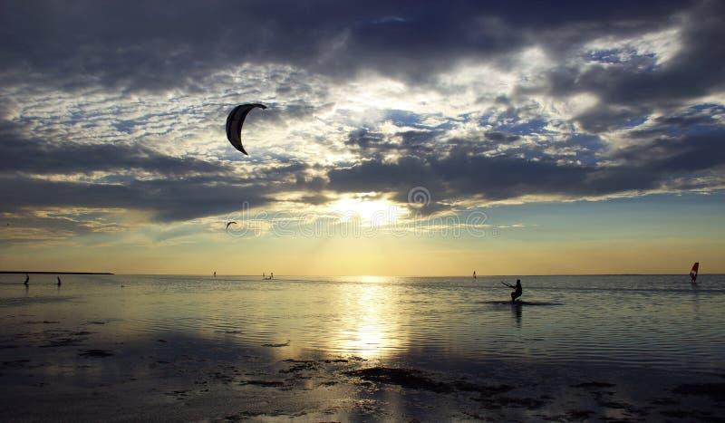 Kiteboarding images libres de droits
