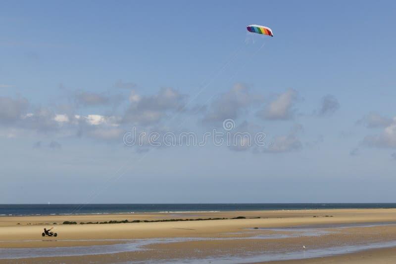 Kitebuggy na praia imagens de stock