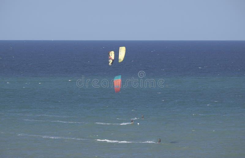 Kitesurf, la corsa fotografie stock