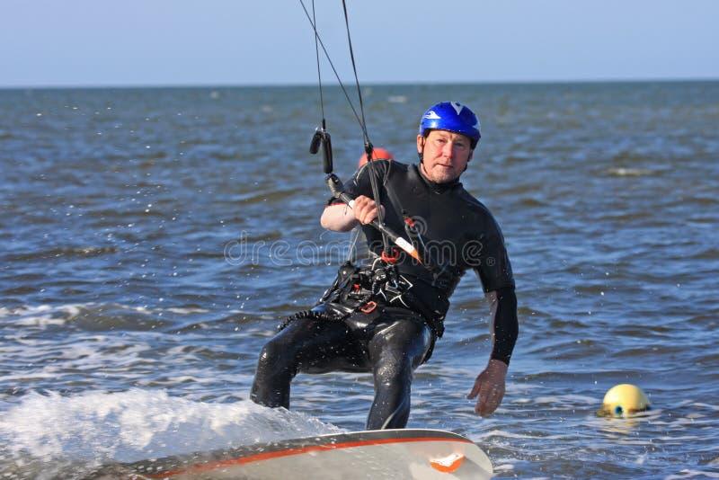Kitesurfer lizenzfreies stockbild