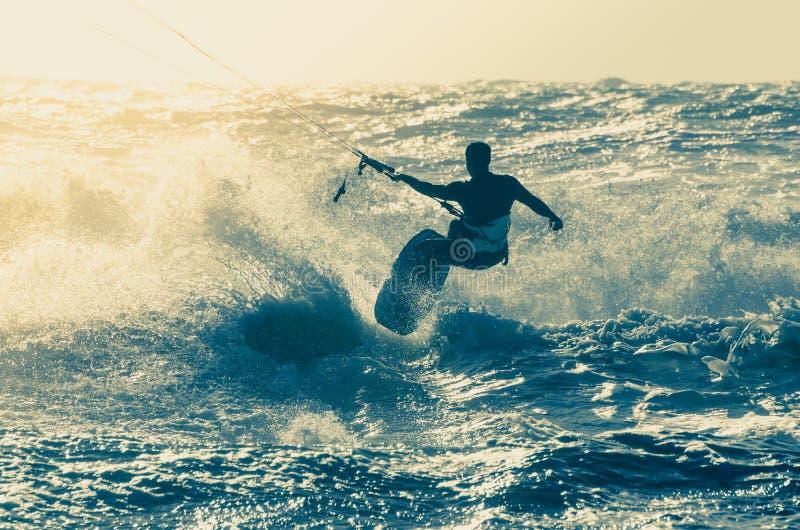 Kitesurfer lizenzfreies stockfoto