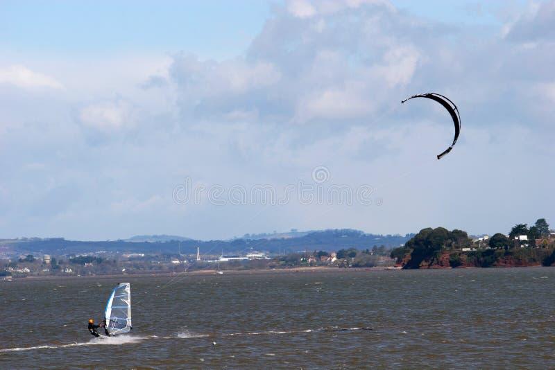 kitesurfer windsurfer στοκ εικόνες