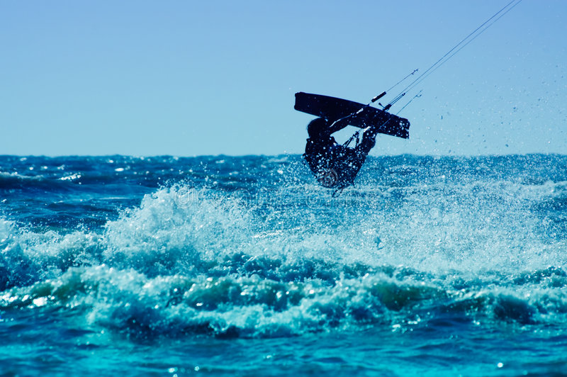 Kitesurfing royalty-vrije stock afbeeldingen