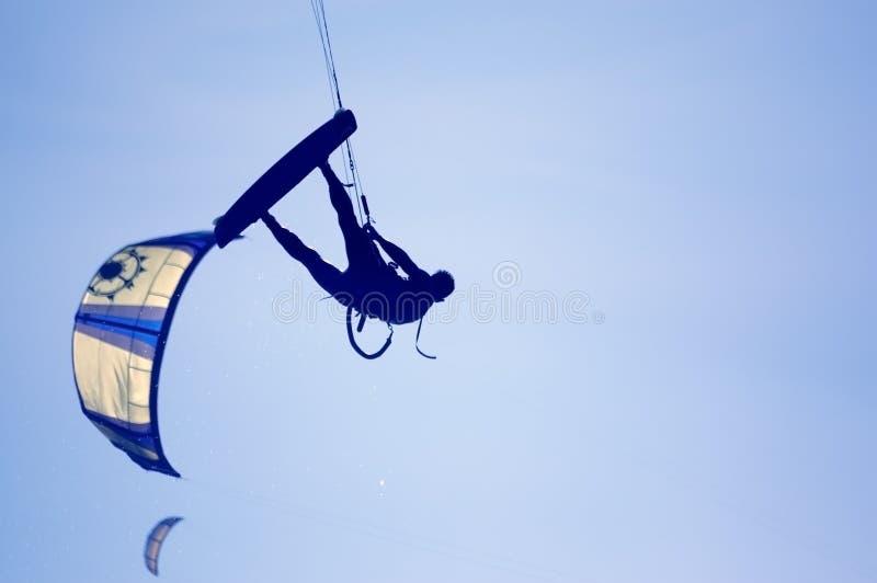 Kitesurfing foto de stock royalty free