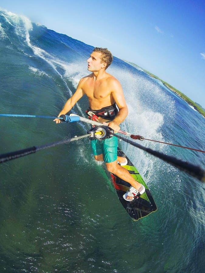 Kitesurfing fotos de stock