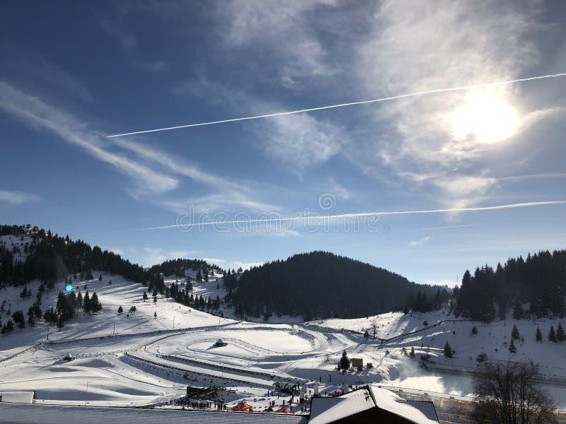 kiting的河滑雪多雪的体育运动冬天 库存照片