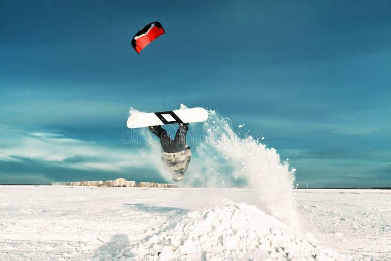 Kiting na snowboard na zamarzniętym jeziorze obraz royalty free