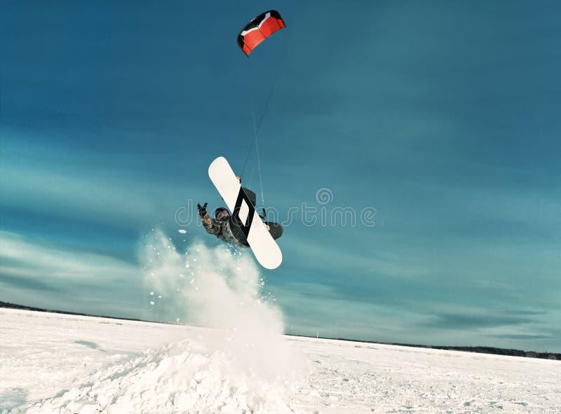 Kiting na snowboard na zamarzniętym jeziorze zdjęcie royalty free