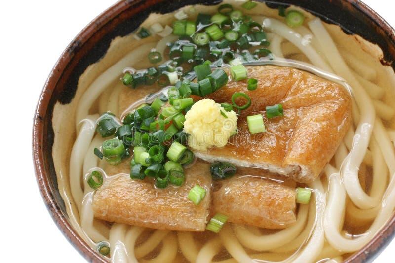 Kitsune udon, Japanse noedelschotel royalty-vrije stock fotografie