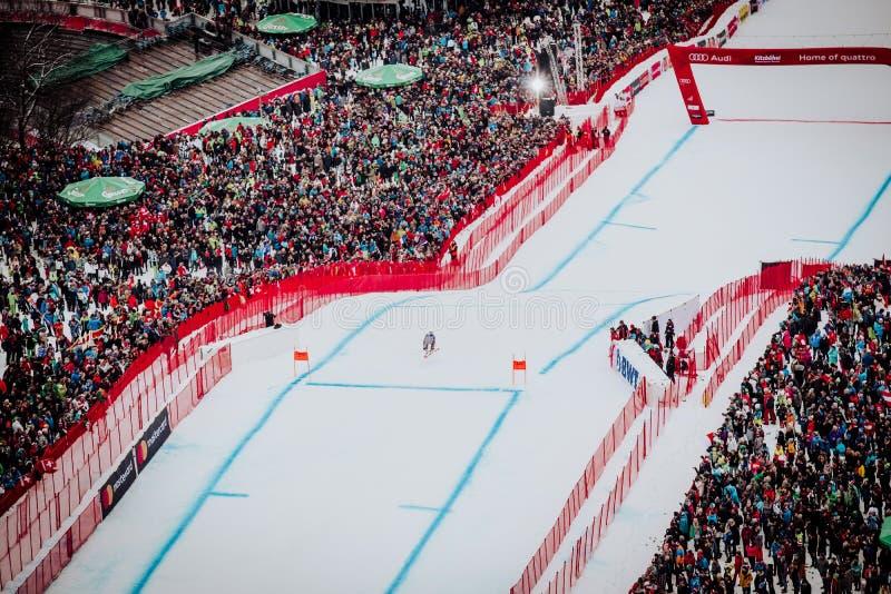 KitzbÃ-¼ Hel Hahnenkamm abschüssiger Ski Race lizenzfreie stockfotografie