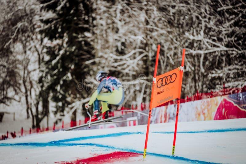 KitzbÃ-¼ Hel Hahnenkamm abschüssiger Ski Race lizenzfreie stockbilder