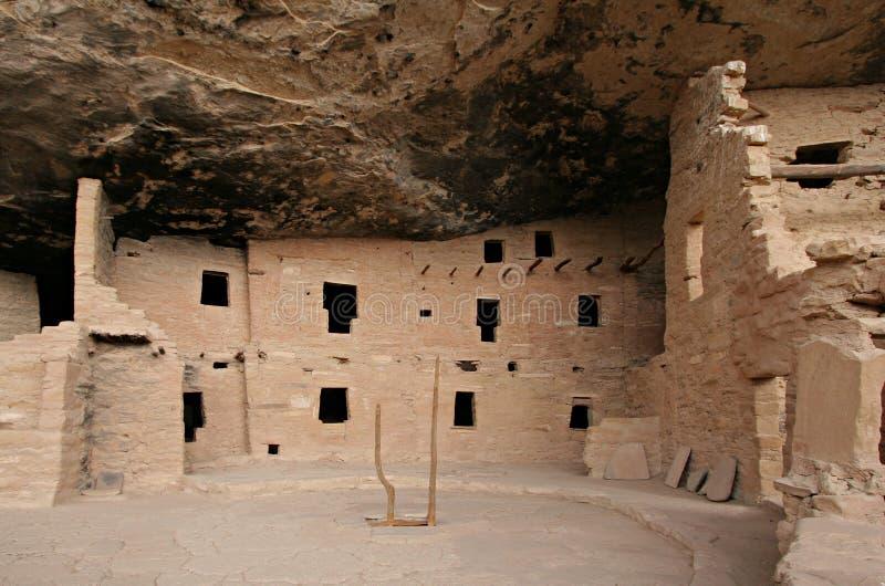 Kiva und Gebäude, geziertes Baum-Haus lizenzfreies stockbild