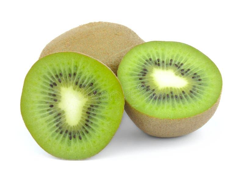 Kiwi die in de helft wordt gesneden stock afbeelding