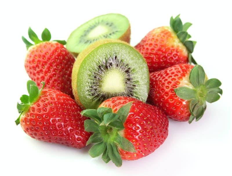 Kiwi et fraise photographie stock