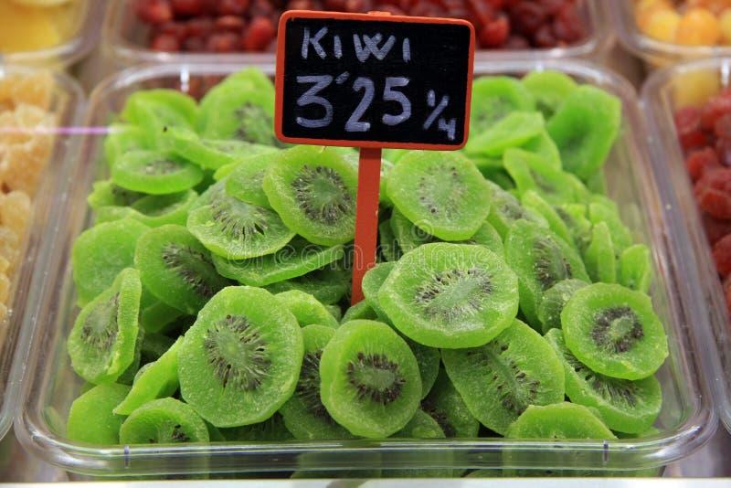 Kiwi Fruit secado no empacotamento imagem de stock