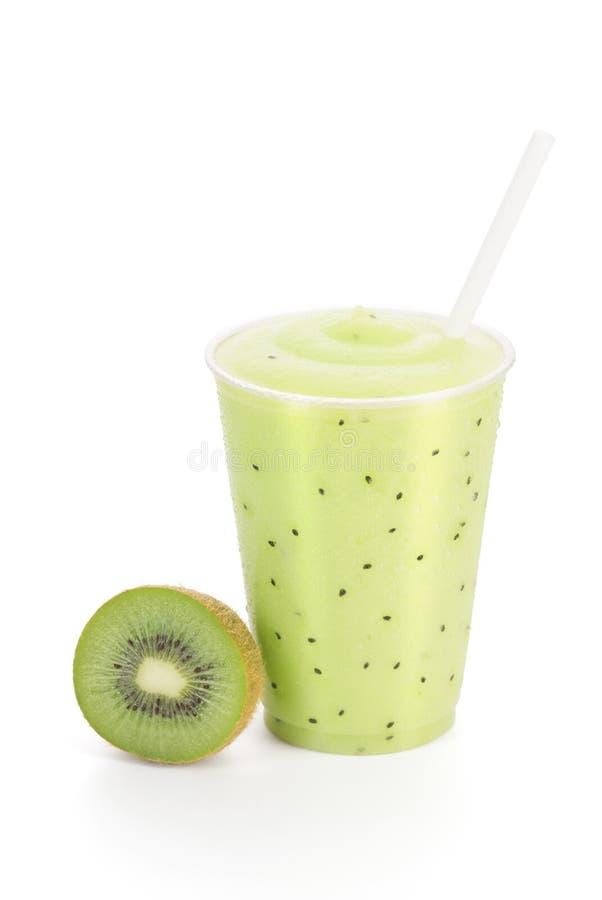 Kiwi Fruit Smoothie med garnering på vit royaltyfria bilder