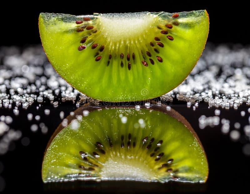 Kiwi Fruit y azúcar foto de archivo
