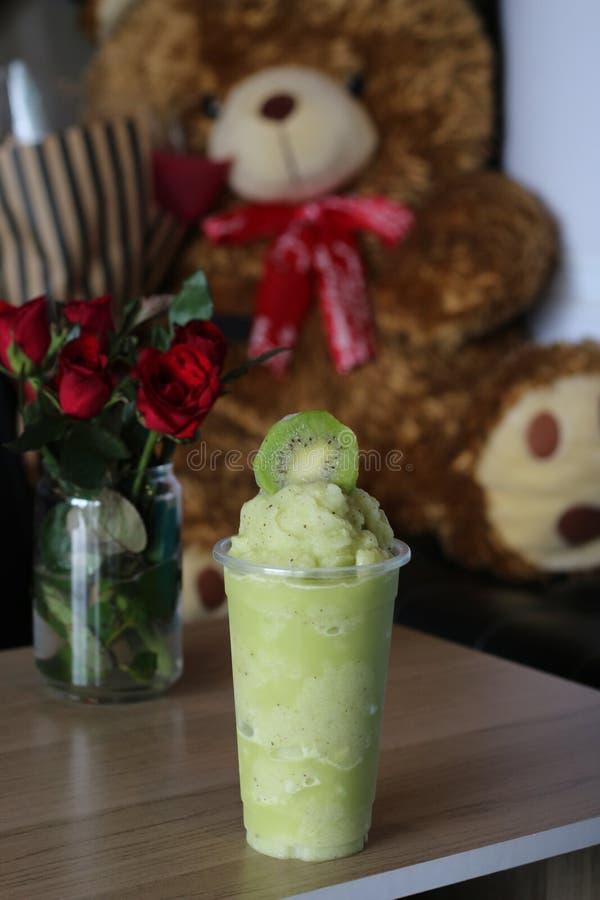 Kiwi Juice in het glas verse drank van Thailand royalty-vrije stock fotografie