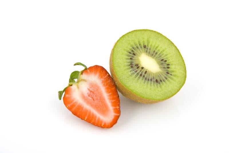 Kiwi och jordgubbe arkivfoto
