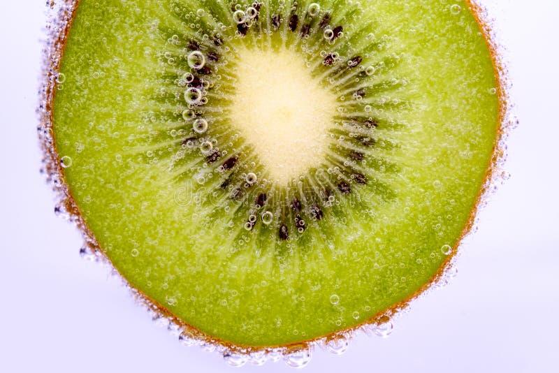 Kiwi owoc z bąblami obraz royalty free
