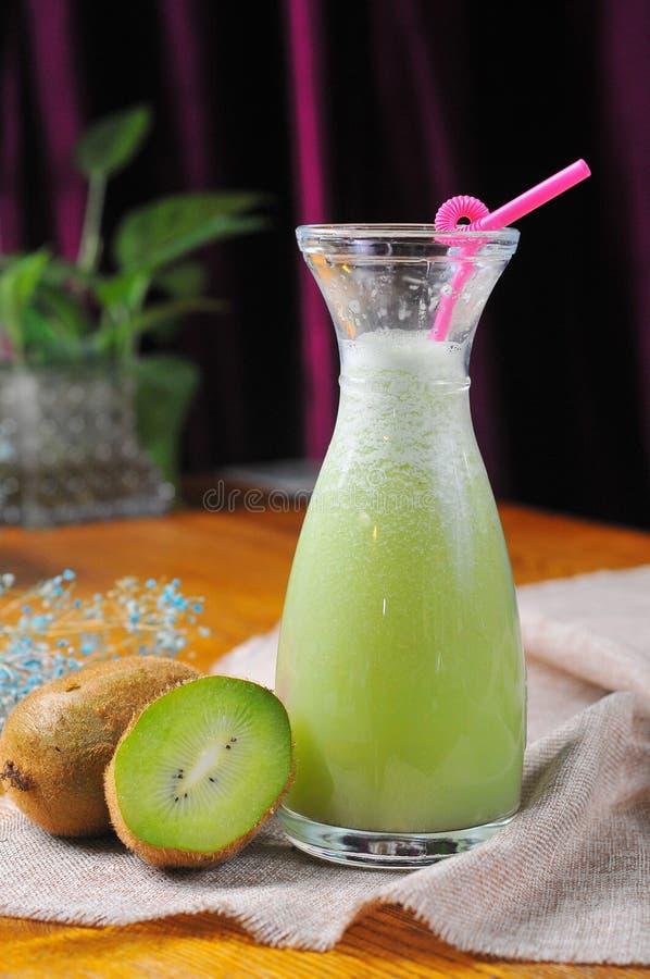 Kiwi owocowy sok zdjęcia stock