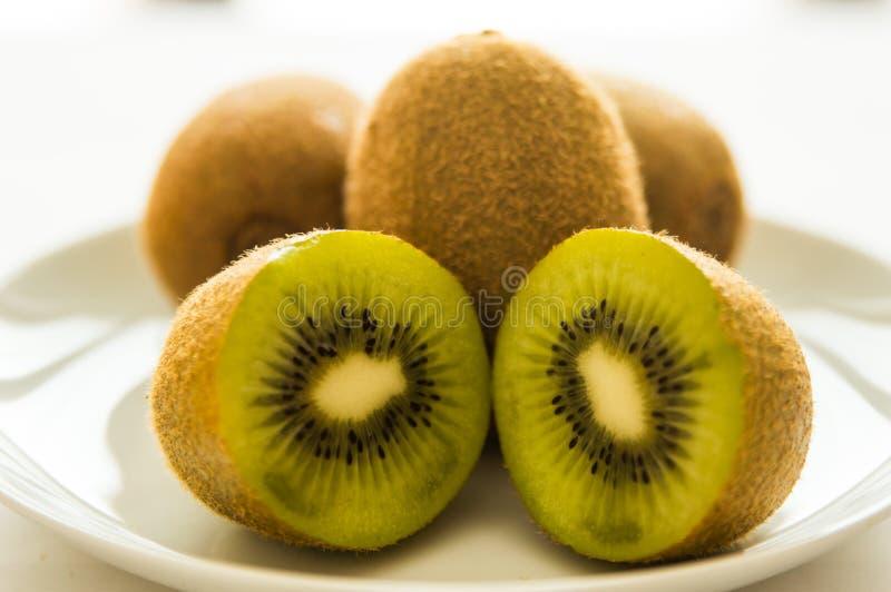 Kiwi, rżnięty kiwi, owoc fotografia stock