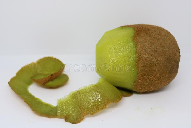 Kiwi senza buccia immagini stock