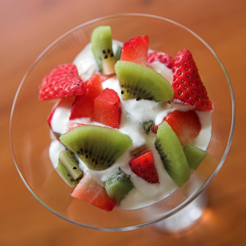 Download Kiwi & strawberry stock image. Image of market, taste - 1994471