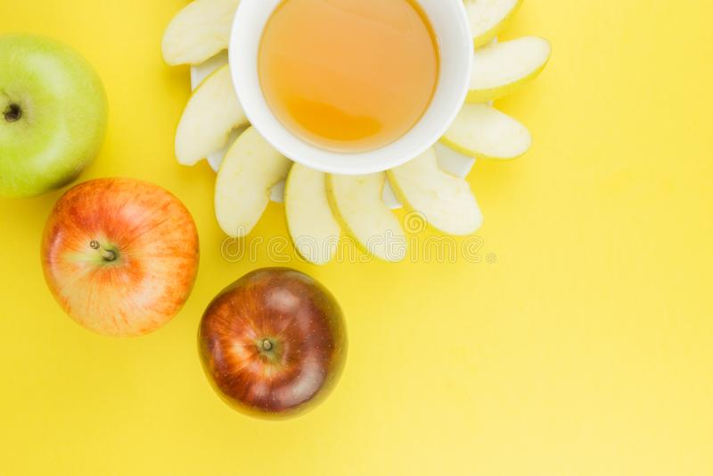 Kiwi y limón jugosos del fondo de la fruta fresca para el hashanah del rosh fotos de archivo libres de regalías
