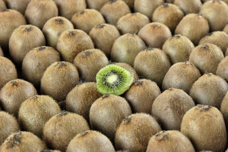 Download Kiwifruits imagem de stock. Imagem de horizontal, grupo - 26504483