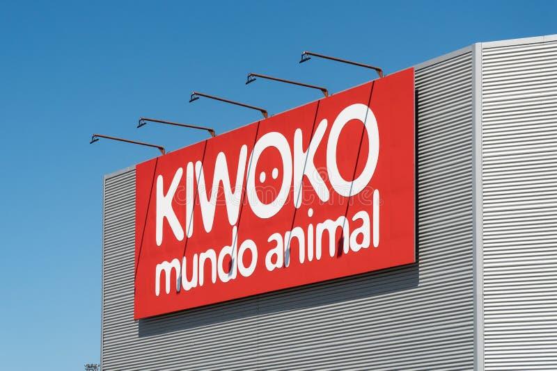 Kiwoko se connectent la façade photo libre de droits