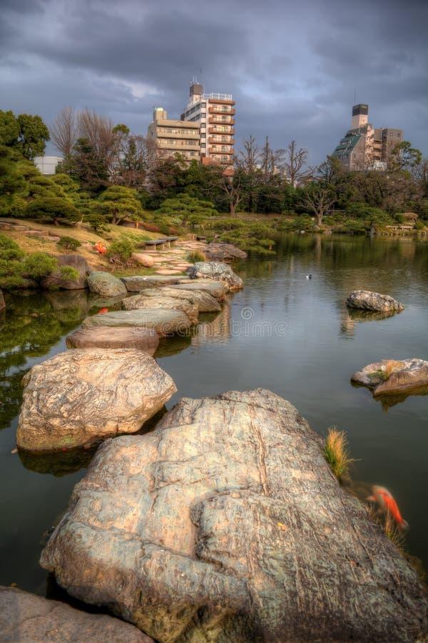 Kiyosumi trädgård i Tokyo royaltyfri bild