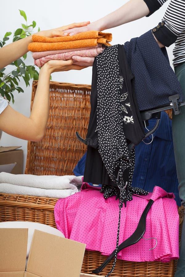 Kläderinpackning fotografering för bildbyråer