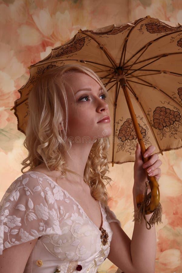 klänningbröllopkvinna royaltyfria foton