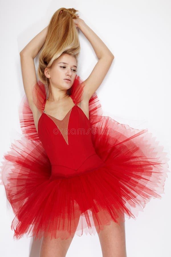 klänningflickared arkivfoton